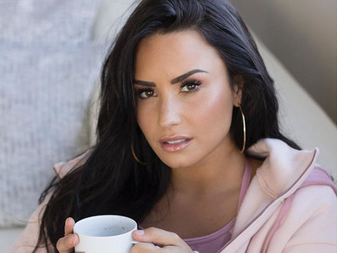 Demi Lovato Shows Off Her 'No More Dieting Thighs'