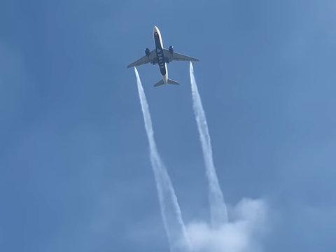 17 Children Hurt After Plane Landing Dumps Fuel Over Playground